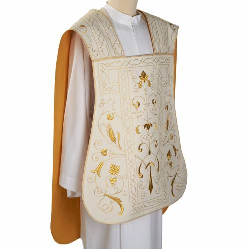 Roman chasuble with golden embroidery s4