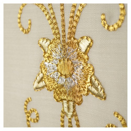 Stola bianca ricamo oro antico pura lana s5