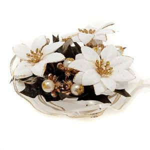 White Poinsettia christmas candle ring s1