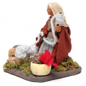Woman spinning 10 cm for nativity scene s2
