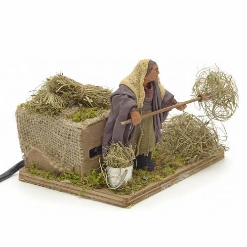 Animated Nativity scene figurine, peasant with hay 10 cm s2