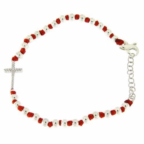 Bracciale sfere argento 3 mm e nodi cotone rosso, croce zirconata bianca s2