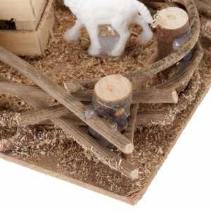 Animaux pour la crèche: Brebis dans l'enclos milieu crèche 16x10 cm