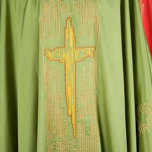 Chasuble liturgique brodée avec croix stylisée dorée s4
