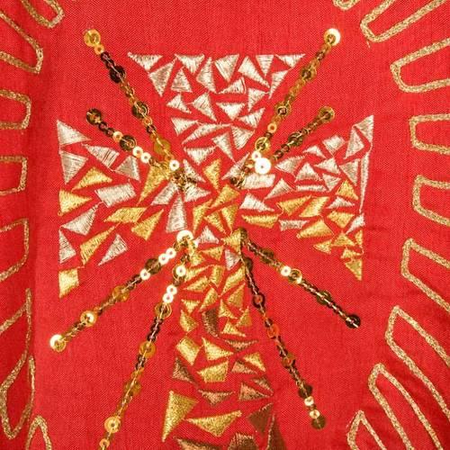 Chasuble liturgique broderie dorée croix avec rayons s4