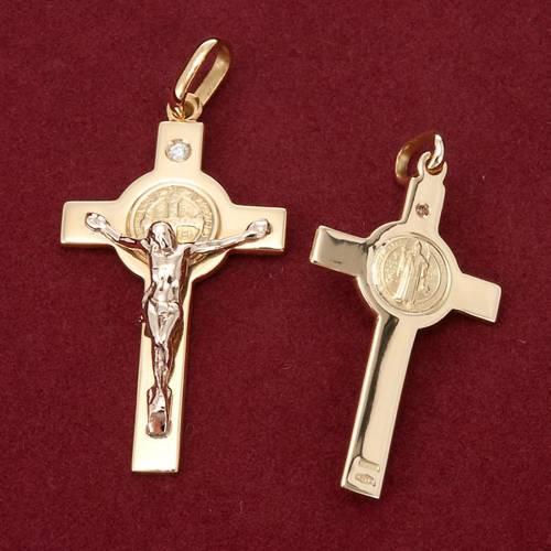 Colgante Cruz de San Benito oro y diamantes s3