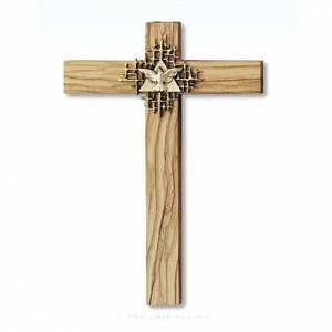 Crucifijos y cruces de madera: Cruz de madera de olivo del Espíritu Santo dorado