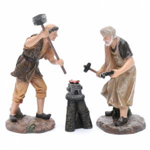 Statue per presepi: Fabbri con fucina in resina per presepe di 20 cm (set 3 pz.