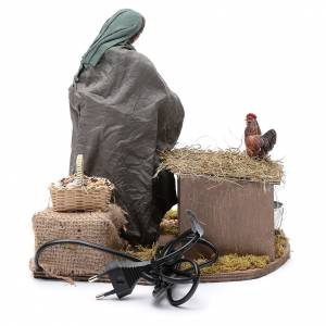 Femme qui nourrit des poules 30 cm crèche napolitaine s4