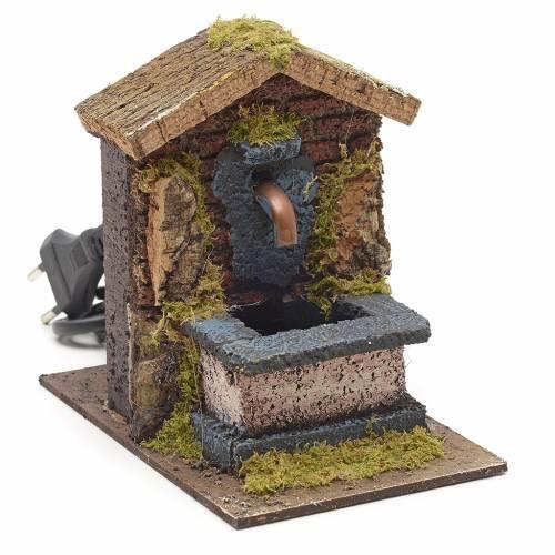 Fontaine en miniature avec toit pour crèche 15x10x15cm s1