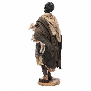 Hombre negro con oveja belén Angela Tripi 30 cm s3