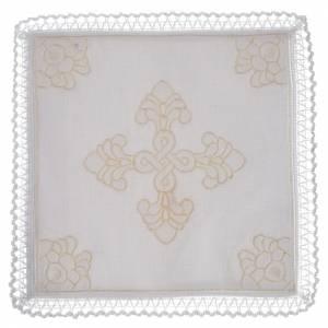 Altargarnitur: Kelchwásche aus Lein und Baumwolle mit Korporale