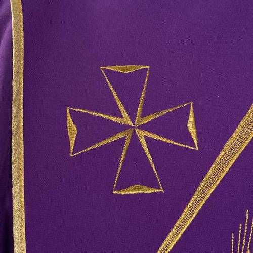 Liturgical vestment with stylized motifs s6