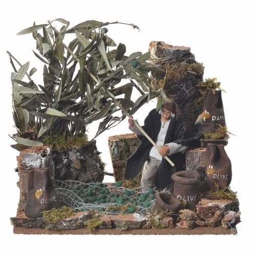 Man harvesting olives, 12cm animated nativity s1