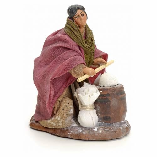 Neapolitan Nativity figurine, woman kneading dough, 8 cm s2