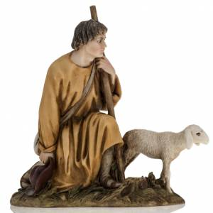 Figuras del Belén: Pastor con cordero pesebre 18cm landi