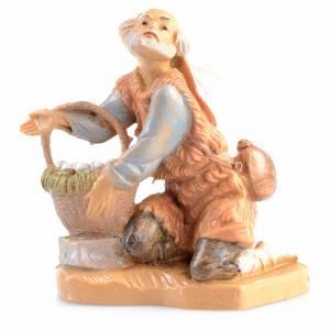 Statue per presepi: pastore in ginocchio con uova Fontanini6.5 cm