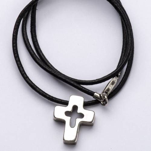 Pendant, silver cross with hole s2