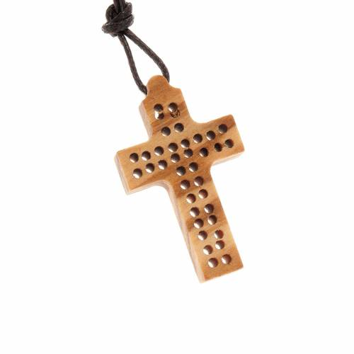 Perforated cross, 2 lines s1