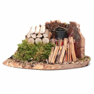 Fireplaces and ovens: Pot on fire with logs and cork wall 5x15x5 cm