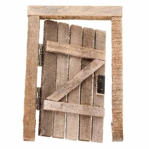 Puerta de madera con jambas y bisagra para el belén s1