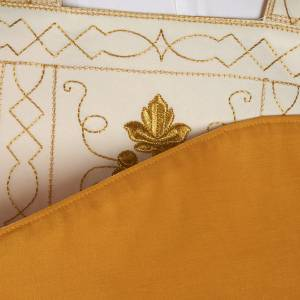 Roman chasuble with golden embroidery s8