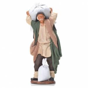 Uomo con sacchi di farina 14 cm presepe napoletano s1