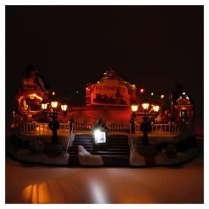 Villaggio natalizio animato luminoso musicale movimento pattinatori 18X40X27 cm s4