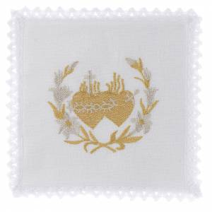Altar linens: Altar linen flowers and Sacred Heart of Jesus