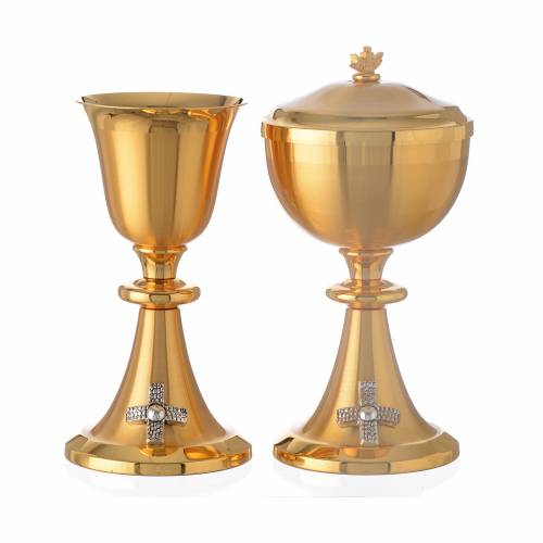 Chalice and Ciborium bicolor brass with cross, chisel-finish s1