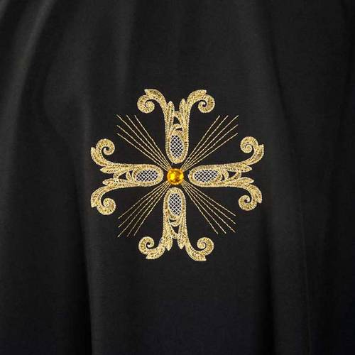 Chasuble liturgique noire 3 croix dorées s3