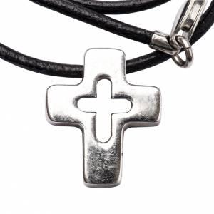 Colgante de cruz plata con tallado s1