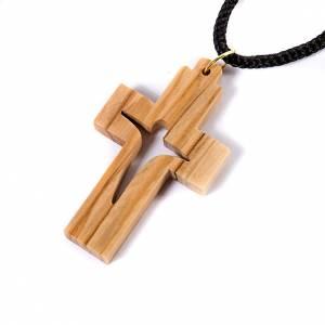 Croix pendentif, en bois d'olivier stylisée s2