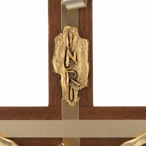 Crucifijo de madera de nogal metal dorado incrustado aluminio s5