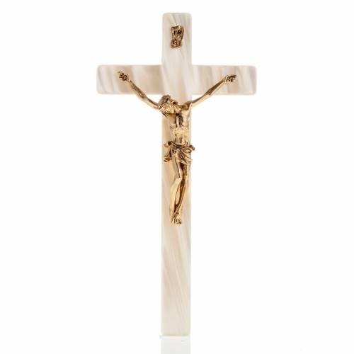 Crucifix in fake pearl, golden metal corpus s1