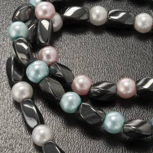 Elastic bracelet in hematite and fake pearl s5