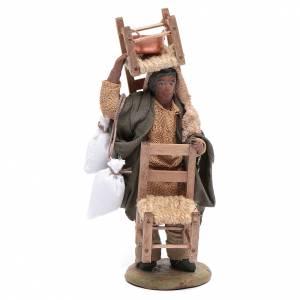 Belén napolitano: Hombre árabe con silla en la cabeza y en mano 12 cm belén Nápoles