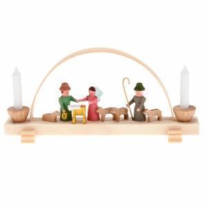 Stilisierte Krippe: Kleine Krippe aus Holz mit Bogen