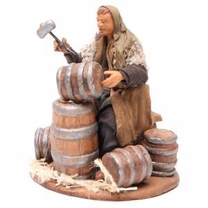 Man repairing Barrels 12cm neapolitan Nativity s2