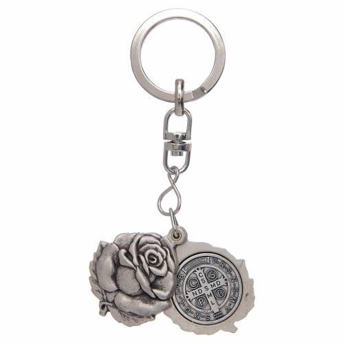 Portachiavi argentato rosellina con medaglietta San Benedetto s2