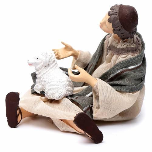 Pastore per presepe seduto con pecorella 15 cm resina s2