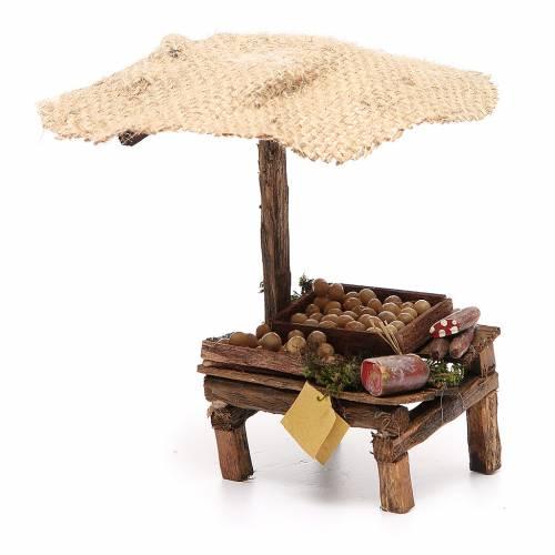 Puesto de mercado para belén con sombrilla, huevos y embutidos 16x10x12 cm s2