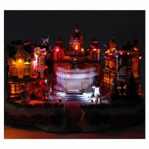 Scena di Natale con pista da ballo in movimento 25x40x40 cm s4