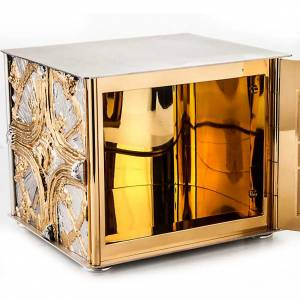 Tabernacles: Tabernacle, golden cross