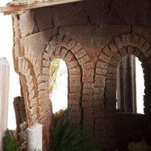 Temple romain avec colonnes et petite maison pour crèche s7