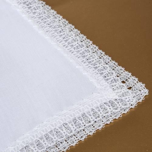 Traje de bautizo con cruz de color plata s3