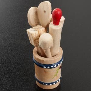 Hauszubehör für Krippe: Vase mit Küchwerkzeugen 7 Stk.